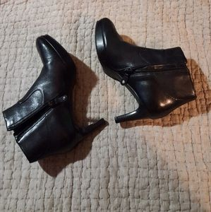 🎥Rockport Clogs Leather Booties  size 6.5